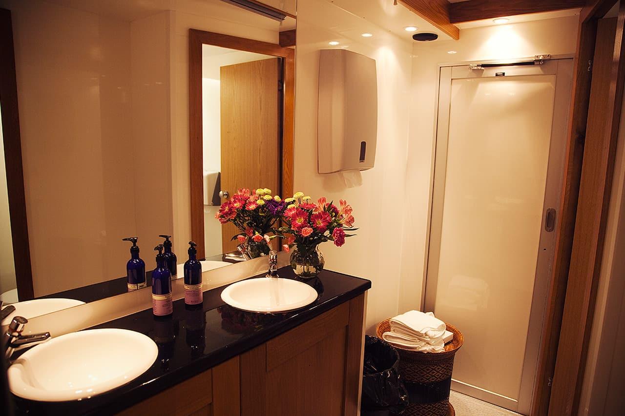 luxury mobile washroom