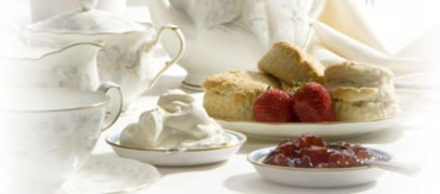 Cassis cream tea